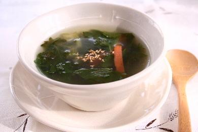 セロリの翡翠スープ