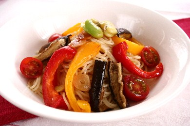 夏野菜マリネの冷製パスタ