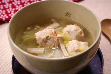 鶏団子の白菜えのきスープ