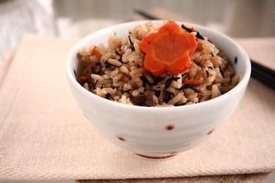 「生姜風味のさっぱり炊き込みご飯」