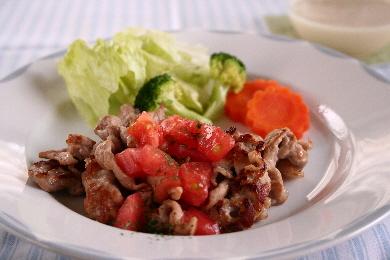 豚肉ソテーのフレッシュトマトソース