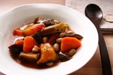 20150829夏野菜と大豆の煮込み.jpg