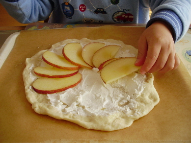 息子のピザ作り