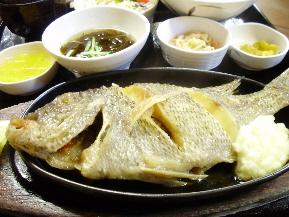 「浜の家」タマンのバター醤油焼き