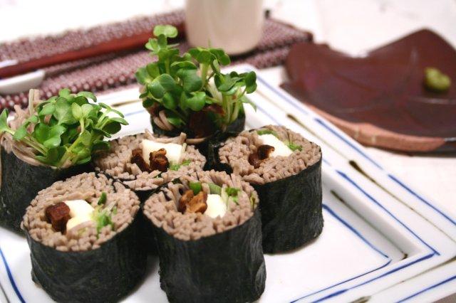 そばロール寿司1