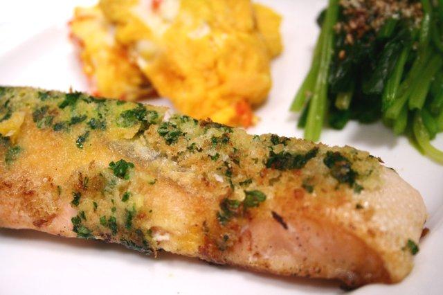 鮭のムニエル パセリパン粉焼き