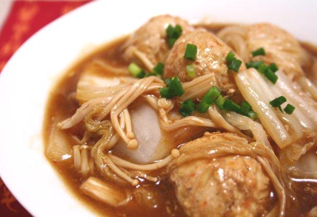つくねと白菜のピリ辛味噌炒め1