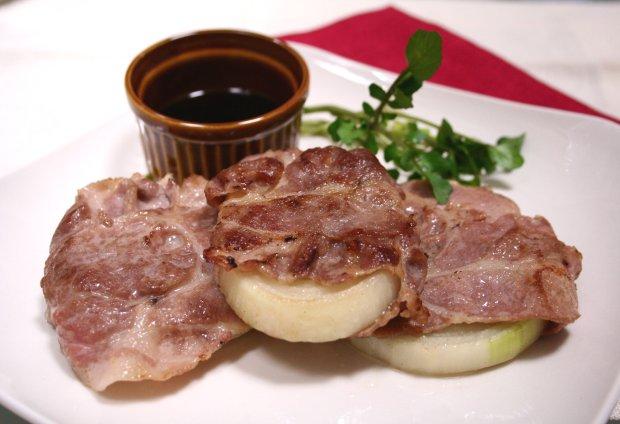玉ねぎの豚肉巻き