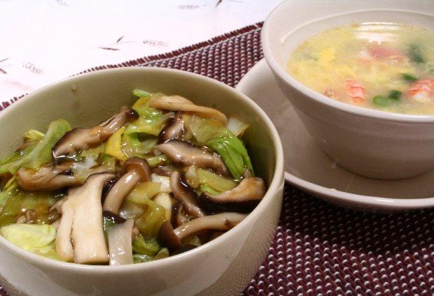 「春キャベツときのこのあんかけ玄米丼」&「エビのかき玉スープ」