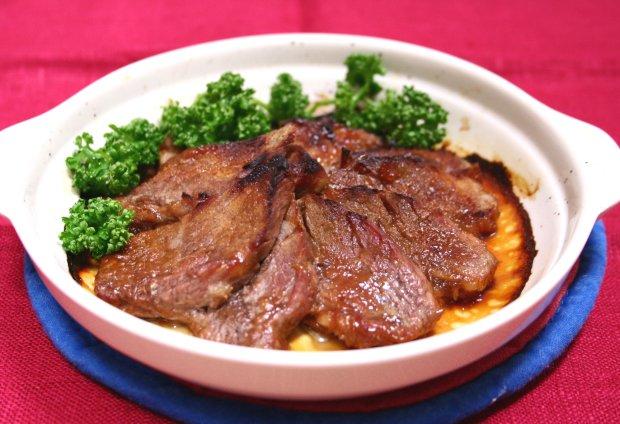豚肉のオーブン焼きマンゴーソース