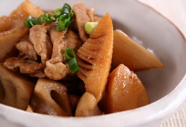 筍とレンコンの豚肉ピリ辛炒め2