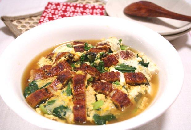 鰻と小松菜の豆腐卵とじ