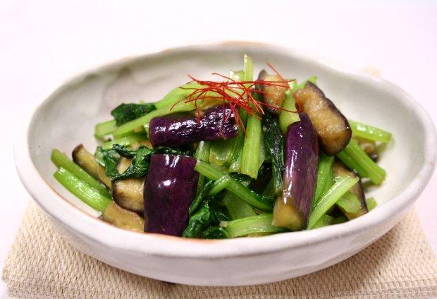 茄子と小松菜のピリ辛中華炒め