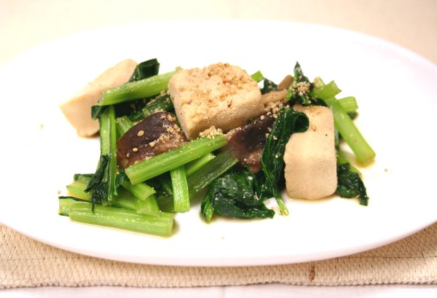 小松菜と凍り豆腐の炒め物