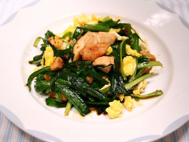 鶏肉のニラ玉炒め