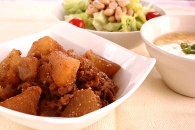 豚と大根 こんにゃくの味噌煮