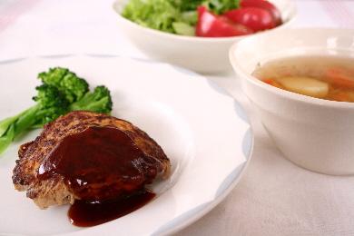 香味野菜のハンバーグ&野菜スープ