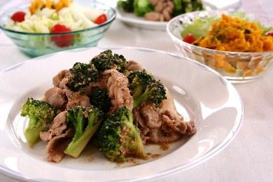 豚肉とブロッコリーのごまみそ炒め