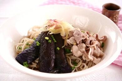 茄子と豚肉の冷やし麺