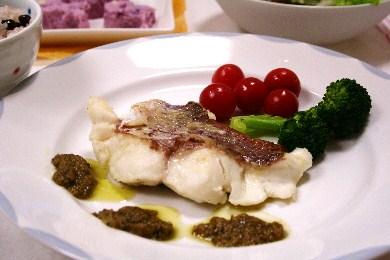 鯛のポアレ バジルソース