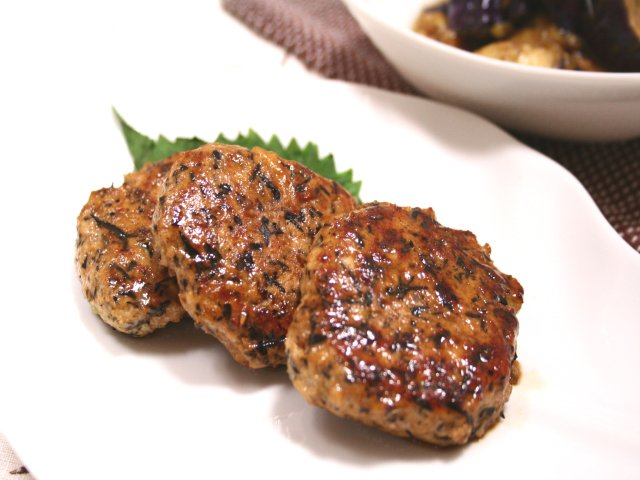 鶏肉のひじきハンバーグ