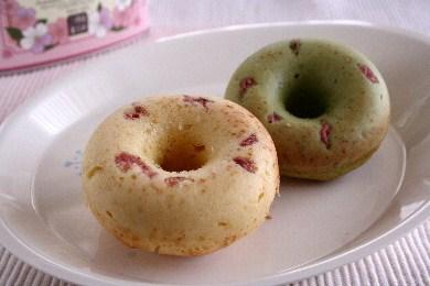 「桜の焼きドーナツ&抹茶焼きドーナツ」
